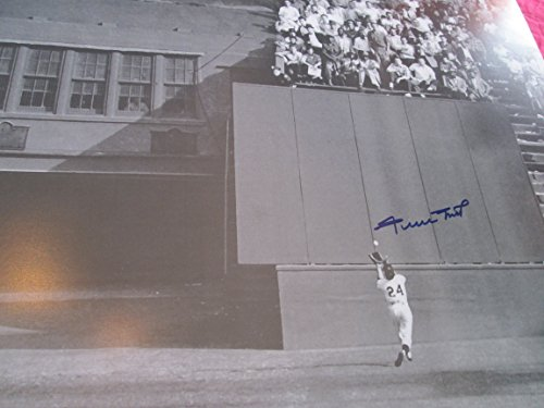 - WILLIE MAYS Signed 1954 World Series Catch 16x20 Photo -Say Hey Hologram Authenticated