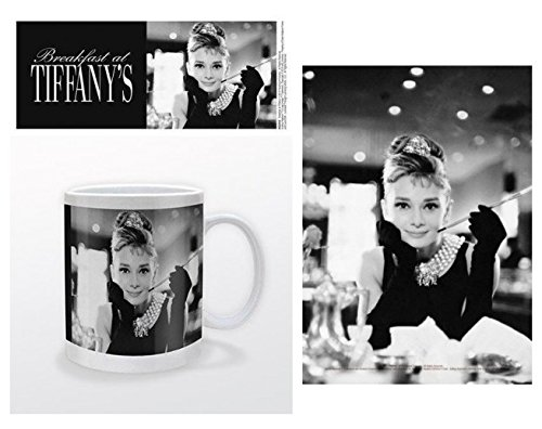 Set: Audrey Hepburn, Breakfast at Tiffany's B/W Photo Coffee Mug (4x3 inches) and 1 Audrey Hepburn, Postcard (6x4 - Breakfast Postcard