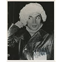 Nureyev, Rudolph. (1938-1993): Original Signed Photograph