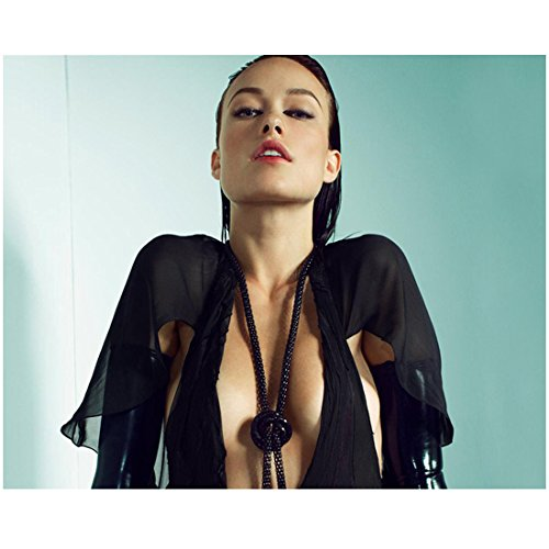 - Olivia Wilde 8 inch x 10 inch PHOTOGRAPH House Tron: Legacy Rush Halter Top & Necklace Chin Up kn