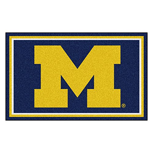 (FANMATS NCAA University of Michigan Wolverines Nylon Face 4X6 Plush Rug)