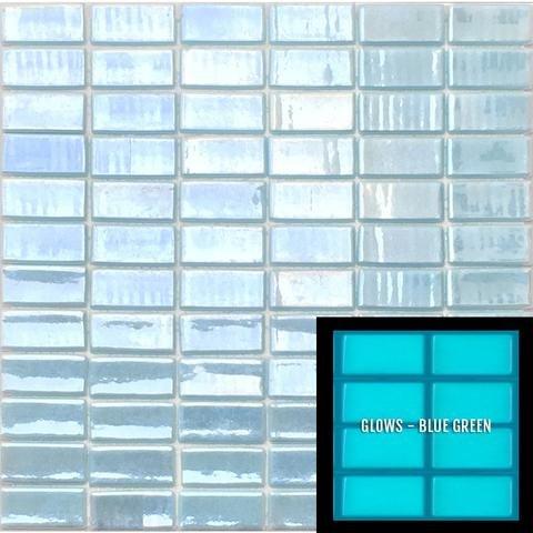 (Glow in the dark glass tile mosaic.Series Foto Luminosa (5 Sheets, 106 Light Blue 1x2))
