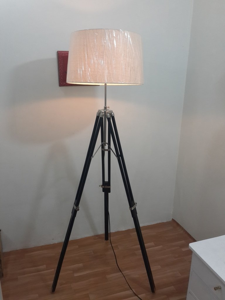 THORINSTRUMENTS (with device) Thor Vintage Tripod Floor Lamp Industrial Nautical Interior Fixture Tripod lamp