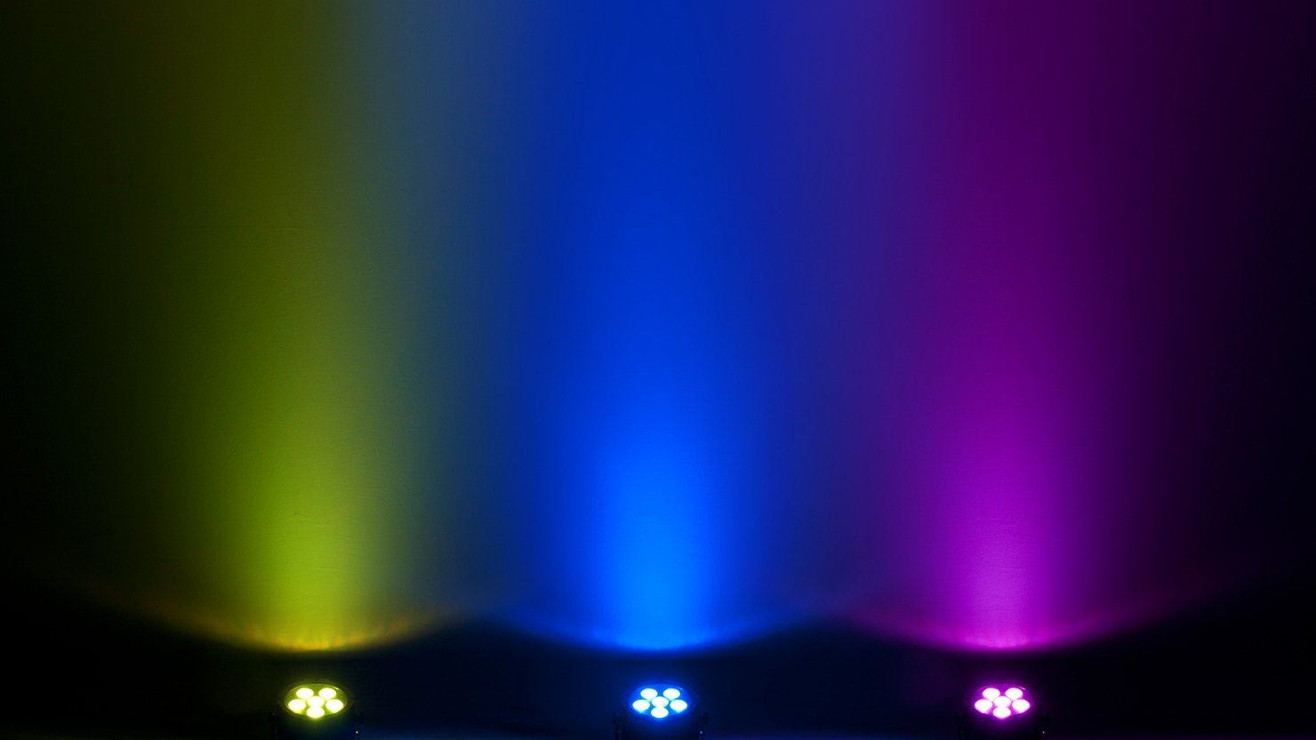 CHAUVET DJ EZpar T6 USB Battery-Powered Tri-Color LED Wash Light | LED Lighting by CHAUVET DJ