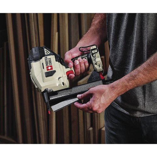 Porter-Cable PCC791LAR 20V MAX Lithium-Ion 18 Gauge Narrow Crown Stapler Kit (Certified Refurbished) by PORTER-CABLE (Image #5)