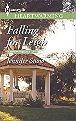 Falling for Leigh (A Brookhollow Story)