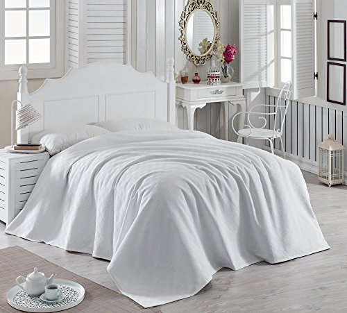 "LaModaHome Colors Coverlet, 100% Cotton - Plain White, 1 Colored, Simple - Size (102.4"" x 86.6"") for King Bed"