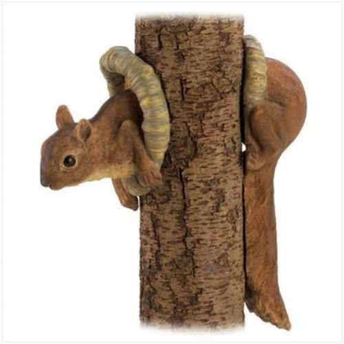 (Woodland Squirrel Tree Decor, Lawn Yard Garden Ornament, New)