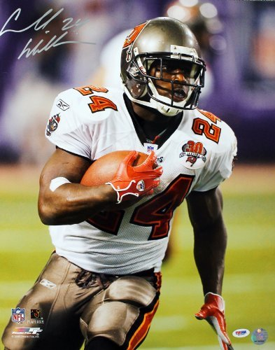 Cadillac Williams Signed Autographed Buccaneers Close Up Running 16x20 Photo PSA/DNA ()