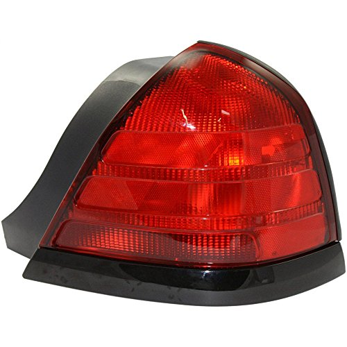 Evan-Fischer EVA15672012677 Tail Light for Ford Crown Victoria 00-11 Lens and Housing Dual Bulb Type W/Black Molding Right Side