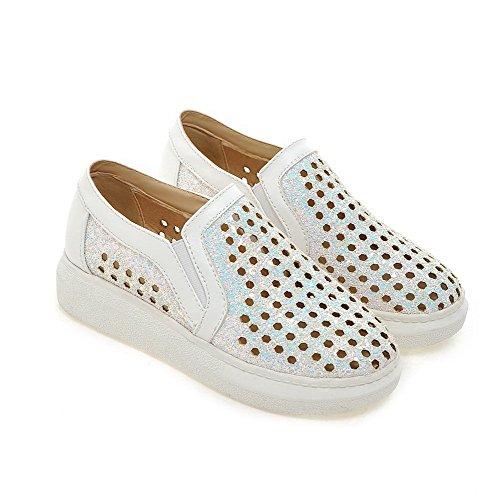 AgooLar Damen Ziehen auf Blend-Materialien Rund Zehe Gemischte Farbe Pumps Schuhe Weiß