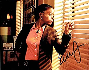 ERICA TAZEL - Justified AUTOGRAPH Signed 8x10 Photo