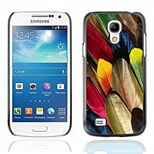 Graphic4You Colorful Parrot Feather Pattern Design Hard Case Cover for Samsung Galaxy S4 Mini