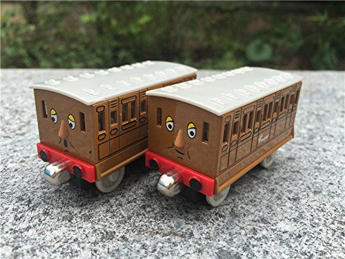 Thomas & Friends Metal Magnetic Diecast Annie & Clarabel Toy Train New Loose