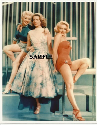 Marilyn Monroe Norma Jean Lauren Bacall Betty Grable Sexy Leg Action 8x10 Photo - Monroe2503