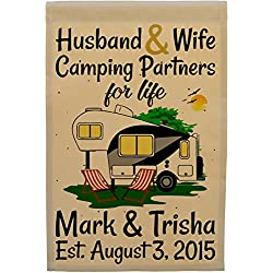Happy Camper World Husband & Wife Camping Partners for Life, Personalized 5th Wheel Camping Flag, Fifth Wheel Campsite Sign (Black/Gray)