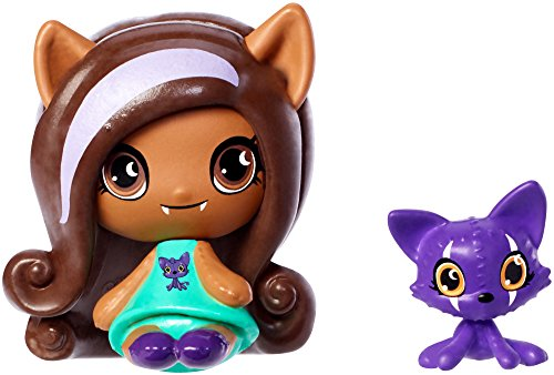 Monster High Minis Clawdeen Wolf Doll & Crescent Pet