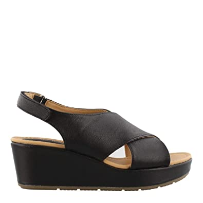 cc093c514e Amazon.com | Me Too Arena Women's Sandal | Platforms & Wedges