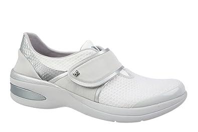 1cc584e408a5 BZees Women s Roxy Sneaker