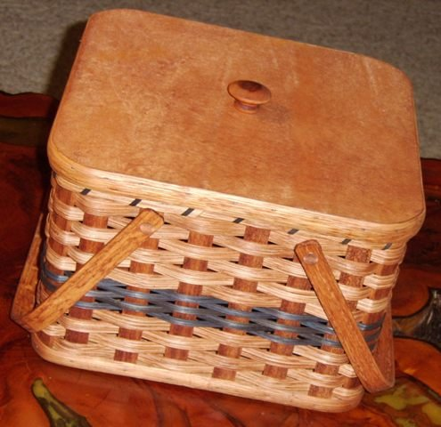 Amish Handmade Square Double Pie Basket with Wood Tray and Lid. Two Wooden Handles. A Beautiful and Well Constructed Basket Made Especially to Transport Those Delicate Homemade Pies Safely. Sitting - Picnic Double Lid Basket