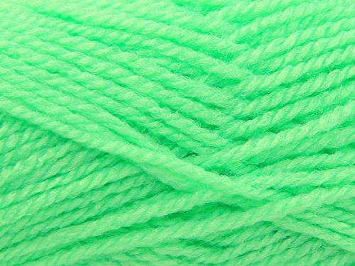 King Cole Pricewise Knitting Yarn DK 71 Lime - per 100 gram ball