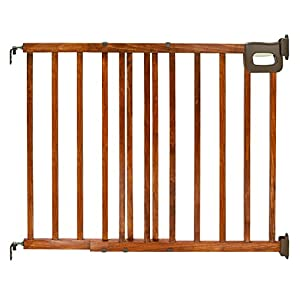 Summer Infant Deluxe Stairway Simple to Secure Wood Gate