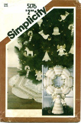 Simplicity 5176 Sewing Pattern Quilted Christmas Ornaments Wreath Tree Skirt Table Angel