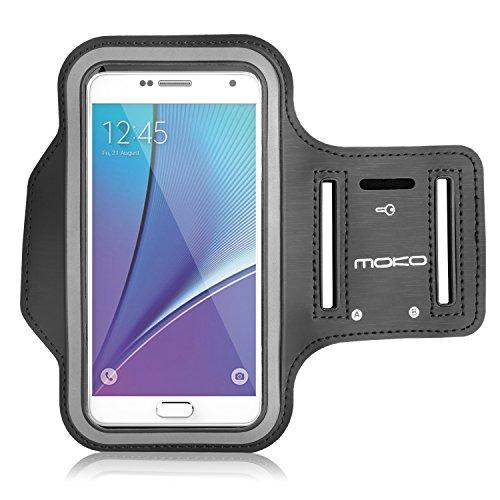 MoKo Huawei P9 / P8 / P8 Lite Armband - Sweatproof Joggen Laufen Sport Armband Handy Hülle Schutzhülle Tasche Case + Schlüsselhalter Kopfhörer Anschluss für Smartphone bis zu 5.5 Zoll, Schwarz