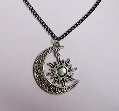 Amazon sun and moon friendship necklace jewelry bbf necklace amazon sun and moon friendship necklace jewelry bbf necklace charm jewelry bff necklace aloadofball Images