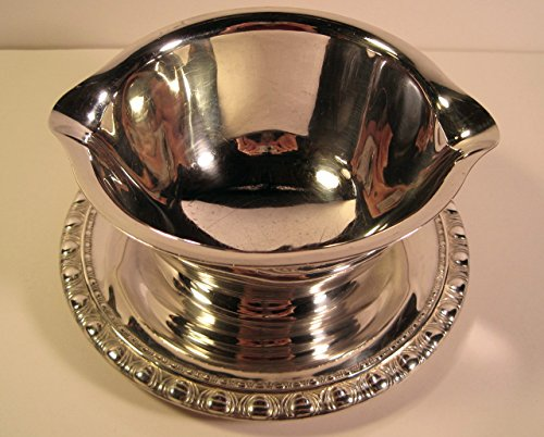 Rogers & Bros Silverplate, Pattern 1713 Vintage Gravy Boat with Attached Plate