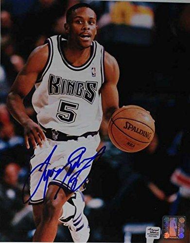Tyus Edney Signed Autographed Glossy 8x10 Photo - Sacramento - Mall Sacramento