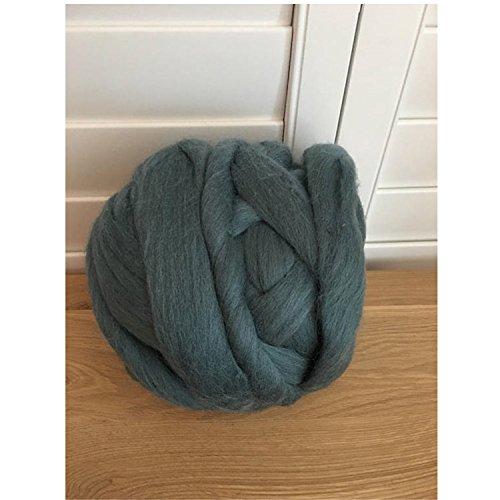 100% Non-Mulesed Chunky Wool Yarn Big chunky Yarn Massive Yarn Extreme Arm Knitting Giant Chunky Knit Blankets Throws Grey White (1kg-2.2lbs, Dark Grey)