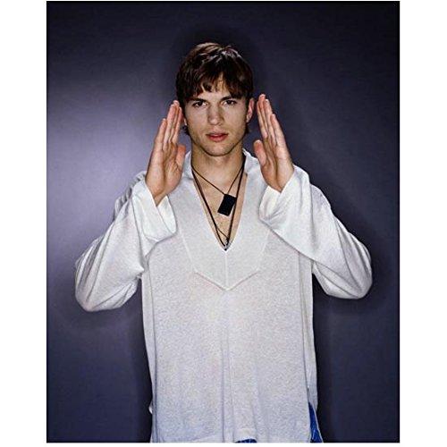 Ashton Kutcher 8 Inch x10 Inch Photograph That '70s Show (Mens 10