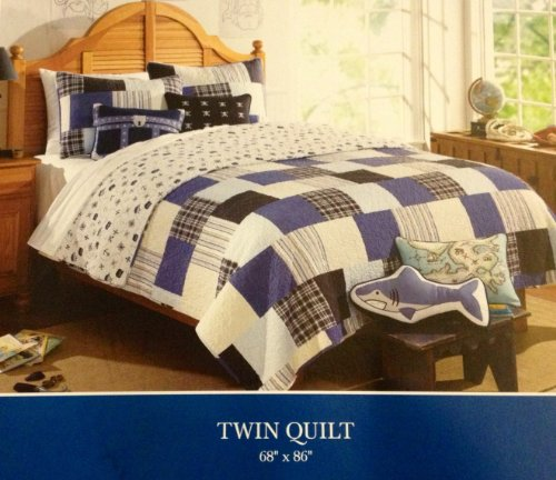 (Charles Street 1 PC Reversible Twin Quilt - Pirate & Plaid)