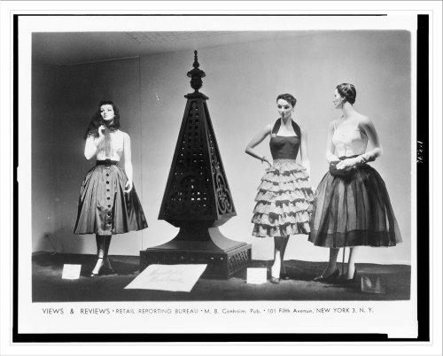 Historic Print (L): [Store window display, at Macy's, New York City, with - Macys New City Store York