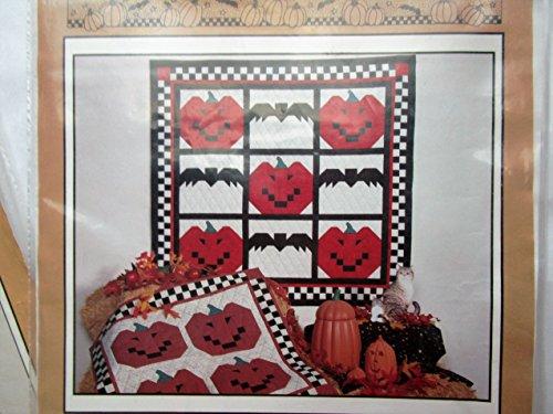 The Pumpkin Patch Sewing Pattern, Pumpkins and Bats Wall Hanging ()