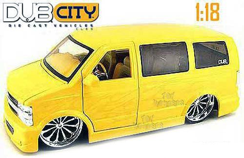 2001 Chevy Suburban Astro Van w/ Blade BD12 Spinners 1/18 - YELLOW (Chevy Suburban Model compare prices)