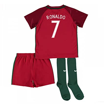 071330deee5 Amazon.com   UKSoccershop 2016-17 Portugal Home Mini Kit (Ronaldo 7 ...