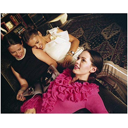 Milano Lounge - Charmed 8x10 Photo Holly Marie Combs/Piper Halliwell, Alyssa Milano Phoebe Halliwell & Rose McGowan/Paige Matthews Sprawled on Chaise Lounge Looking at Magazine kn