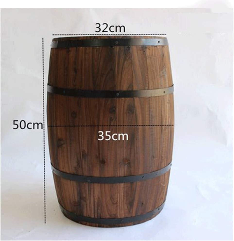 Barricas de roble, resina y grifos metálicos almacenan vino y licores.Variedad de capacidades, barriles de vino de roble, cerveza, barriles de vino, bares, adornos de barril de madera maciza, accesori
