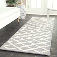 Safavieh Cambridge Collection CAM137D Handcrafted Moroccan Geometric Silver and Ivory Premium Wool Runner (26 x 10)