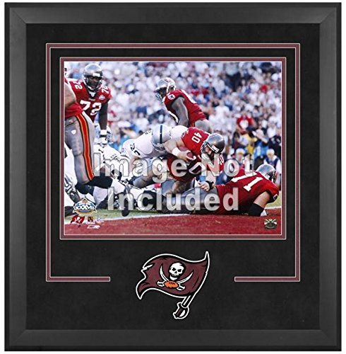 Tampa Bay Buccaneers Deluxe 16x20 Horizontal Photograph Frame by Mounted Memories
