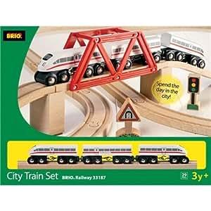 Brio 33187 - Juego de tren de madera con tren de alta velocidad (29 piezas)