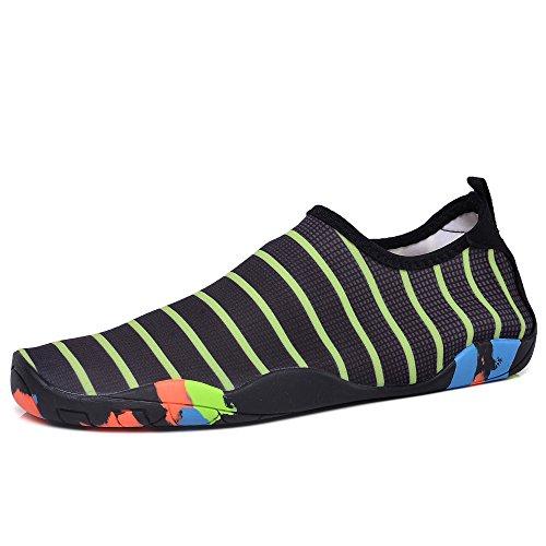 Gomnear Scarpe Da Acqua Mutifunzionali A Piedi Nudi Uomini Asciutti Quick-dry Aqua Nuoto Yoga Calze Da Surf Slip-on Walking Scarpa Leggera Nero Banda Verde