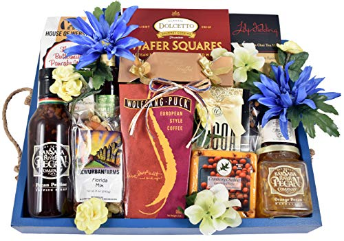 (Breakfast In Bed Gift Basket - Deluxe Wooden Tray With Rope Hndles Loaded With Buttermilk Pancake Mix, Maple Syrup, Bluebery Jam, Pecan Marmalade & More, 9 lb)