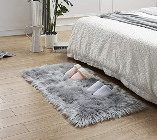 LEEVAN Rectangle Sheepskin Rugs Deluxe Soft Fuzzy Faux Fur Area Rug Fluffy Shaggy Modern Throw Carpet Floor Mat for Living Room Bedroom Accent Decor-2 ft x 3 ft,Grey (Fuzzy Rug Grey)