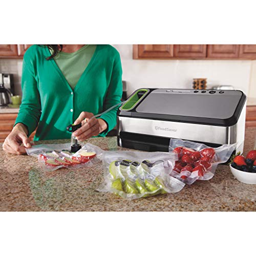 Foodsaver 2-in-1 Vacuum Sealer Machine with Automatic Bag Detection and Starter Kit, Silver