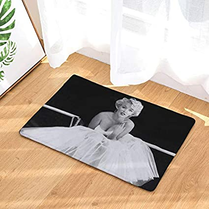 Decoruhome Hot Welcome Waterproof Floor Mat Marilyn Monroe Kitchen Rugs Bedroom Carpets Decorative Stair Mats Home Decor Crafts Amazon Co Uk Kitchen Home