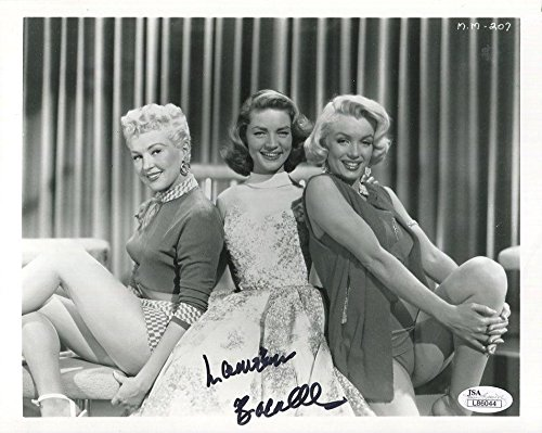 IGNED 8x10 PHOTO+COA WITH GRABLE+MARILYN MONROE - JSA Certified (Marilyn Monroe Signed)