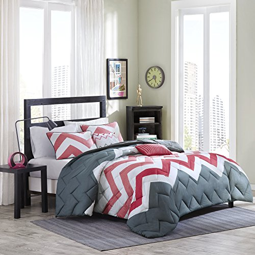 Gray White Chevron Pattern (Cozy Soft - Jamie Comforter Set - 5 Piece - Coral, White, Gray - Chevron, Solid Pattern - Full/Queen size, includes 1 Comforter, 2 Shams, 2 Decorative Pillows)